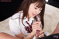 Student Yamashita Ayaka Giving Handjob In Uniform
